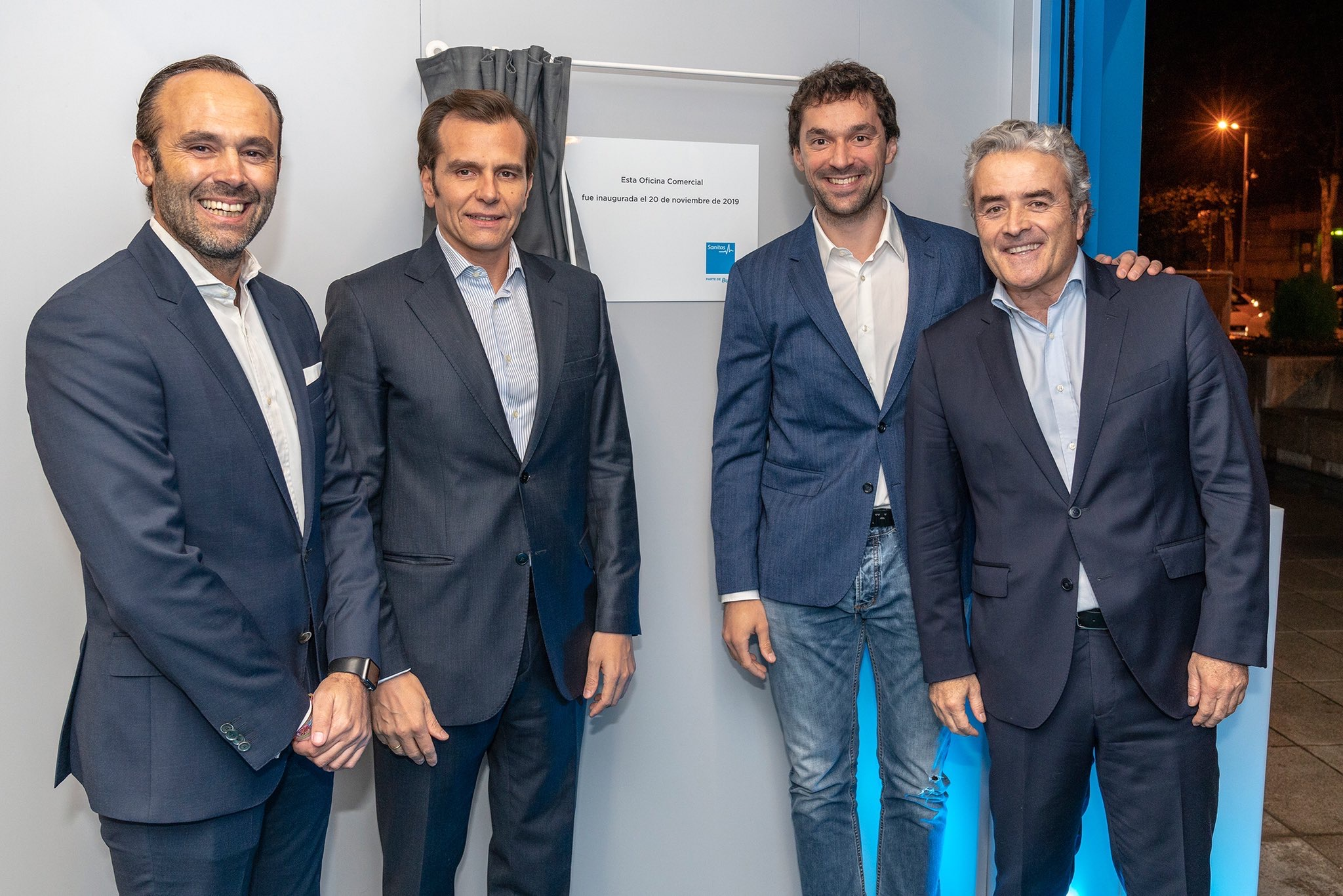 Sergio Llull supports Sanitas' new office opening